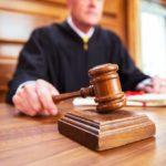 Métier Magistrat juge huissier
